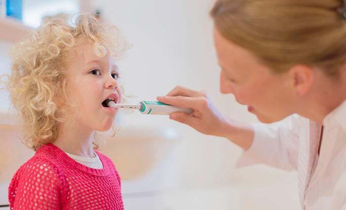 periajul dintilor cu periuta electrica